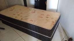 Vendo 4 camas solteiro box usada
