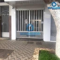 Aluga-se kitinet na área central entre ruas Caio Martins e Marechal Floriano