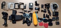 GoPro Hero 7 Black com muitos acessórios