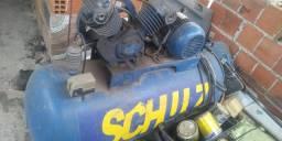Vende se compressor funcionando 5 Hp 200lbs