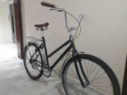 Bicicleta retro antiga reformada