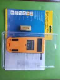 Detector de eletricidade e metais em paredes.