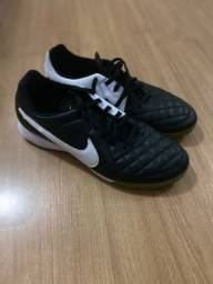 Vendo chuteira society Nike Tiempo - tamanho 40
