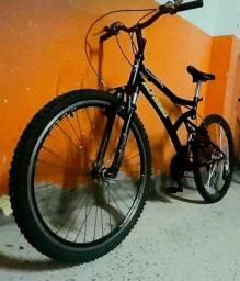 Bike MONSTRA Alfameq aro 26 em ótimo estado