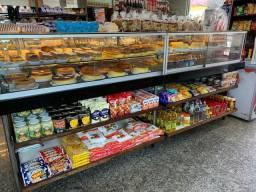 Balcão de pães e bolo