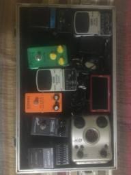 Pedais de guitarra - Top setup completo com case, fonte e uma pedaleira Zoom G1Next