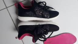 Sapato tem 34