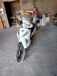 Vendo moto Bull