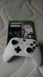 Controle Xbox One S e Jogo