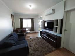 Vendo apto de 02 quartos no São Cristóvão, com móveis sob medida
