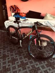 Bicicleta Gts aro 29 sem uso R$ 2.000