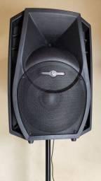Caixa de som acústica amplificada