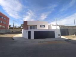 Linda Casa de Alto Padrão 3 Quartos 3 Suítes com Sacada no Colinas da Serra III