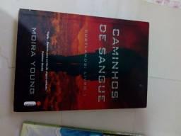 Livros : O outro lado do céu, Diário de um adolescente apaixonado, caminhos de sangue.