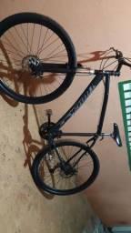 Bicicleta aro 29 com alguns detalhes