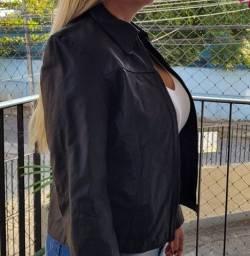 Jaqueta em couro legítimo preta