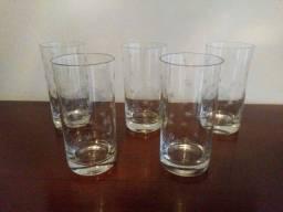 Conjunto de copos da década de 70