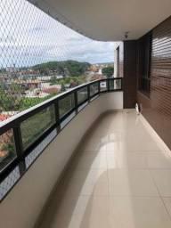 Apartamento alto padrão em prédio com infraestrutura completa.