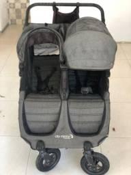 Carrinho de bebê para gêmeos (Baby Jogger - City mini GT)