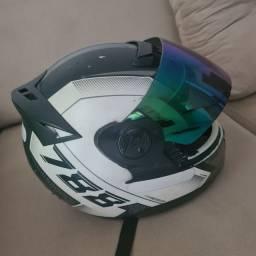 Vendo capacete 788