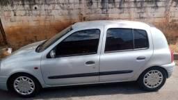 Vendo Renault Clio Ano 2000 Em perfeito estado