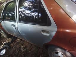 Carro barato para retirar peças