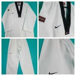 Dobok Taekwondo Nike