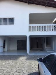 Alugo casa no centro perto do hotel presente