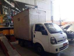 Vendo um caminhão kia bongo com baú  85 mil reais