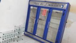 Vendo frizer e vitrine de bombom