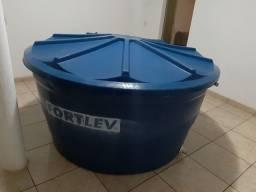 Vende-se Caixa D'água 2.000 Litros
