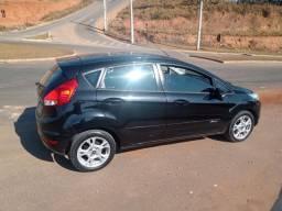 Título do anúncio: Fiesta aut. 2014 Vendo/Troco