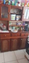 Vendo armário de cozinha,Madeira pura,menos de 1 ano de uso...
