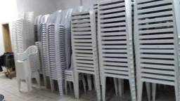 Vendo jogos de mesas plásticas cadeira s braco