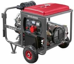 Gerador Diesel 15 KVA Branco pouco uso