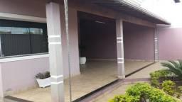 Excelente casa com acabamento de primeira no Bairro Iporanga