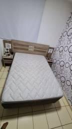 Vendo excelente cama com cabeceira