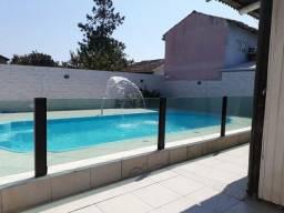 Linda casa rústica com piscina a 450m da praia no Campeche Florianópolis