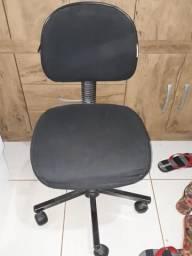 Vendo cadeira de estudo