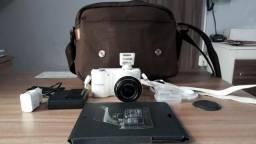 "Câmera Digital Samsung Smart NX2000 Branca 20.3MP, LCD 3.7"" Touch Screen - Wi-Fi"