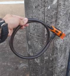 Trava de moto com chave