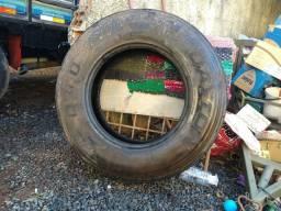 2 pneus 275/80/22.5