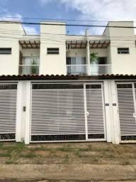 Vende-se casa 2 quartos com varanda