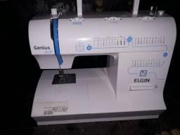 Máquina de costura doméstica.
