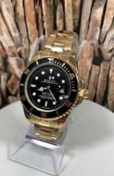 Lindo relógio dourado em promoção. Temos outros modelos, só chamar.
