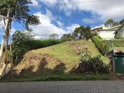 Terreno com 670m2 em frente ao Caledônia Montanha Clube