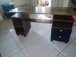 Mesa de computador e escrivaninha de MDF