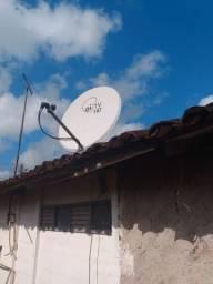 Duas Antenas de tv a cabo