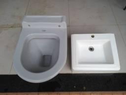 Vendo vaso sanitário e lavatório wc