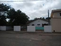 Alugo casa grande com garagem e amplo espaço no Fabio silva